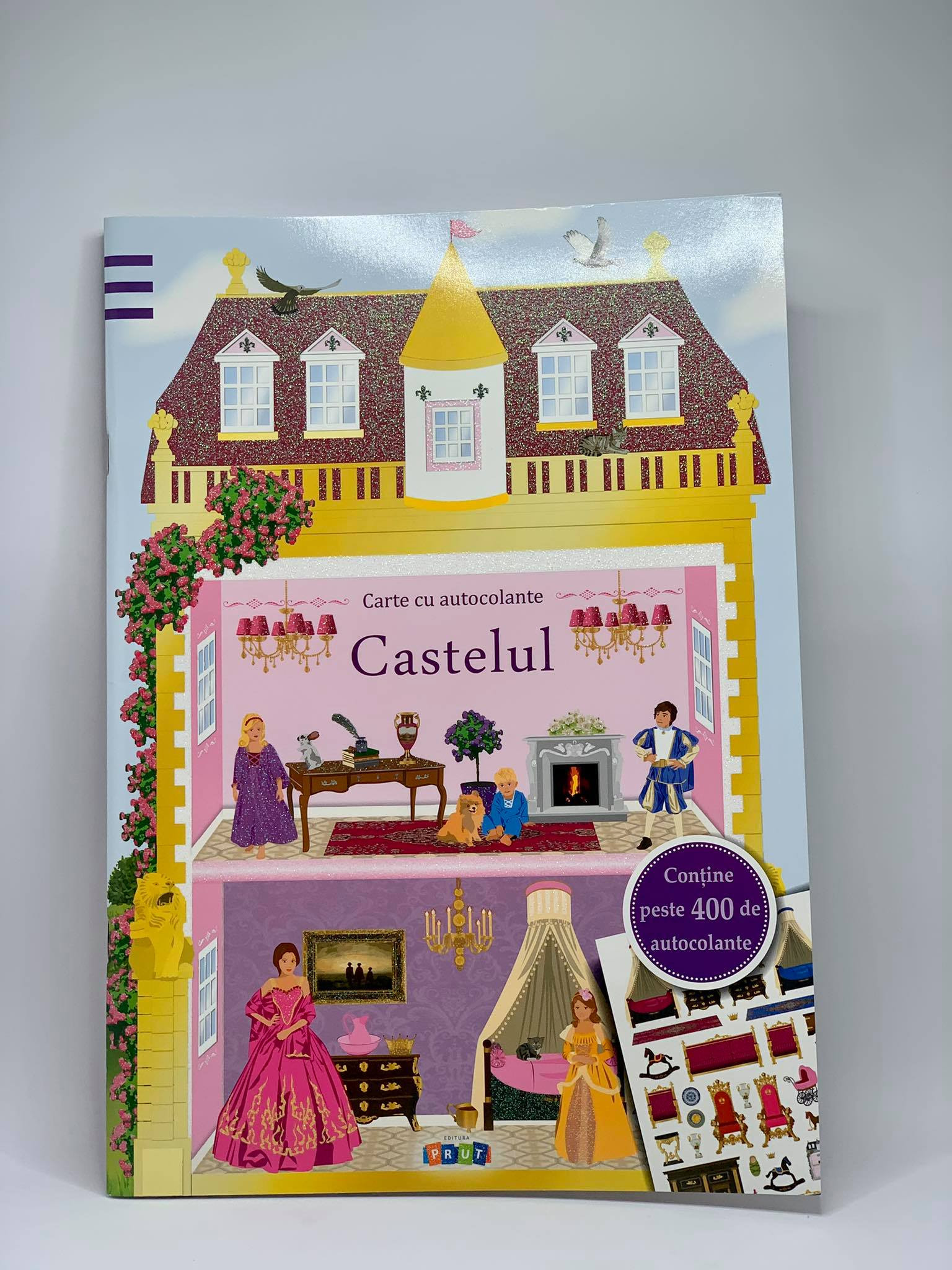 Castelul. Carte cu autocolante